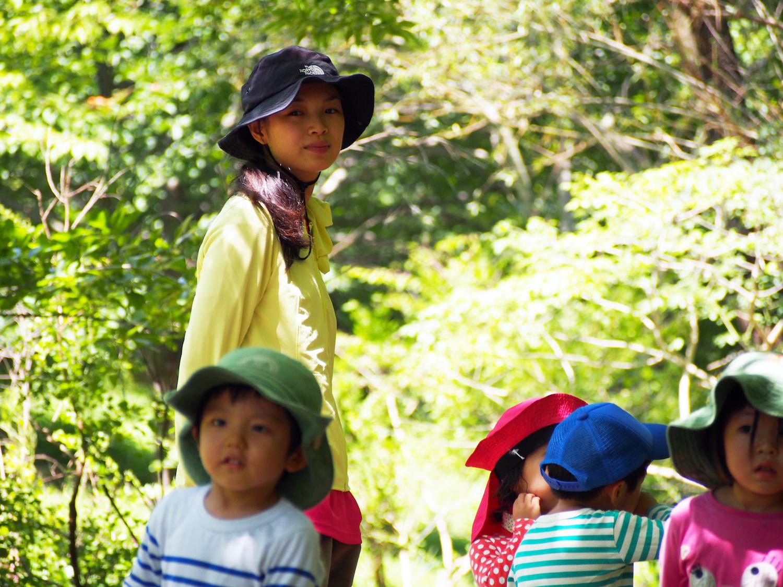 自然の中で思いきり遊ぶ子どもと共に育ち合いたい/もか